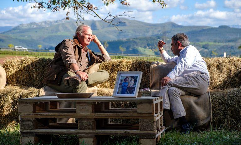 Bertín visita Cantabria para entrevistar a Miguel Ángel Revilla en el parque de la Naturaleza de Cabárceno